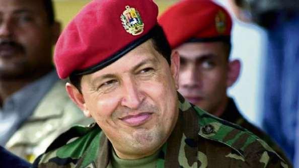 Chávez sobreviveu a um recall cuja aprovação defendeu, após ter ameaçado e divulgado o nome de milhares de peticionários  . Crédito: Arquivo/AG