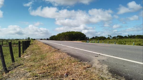 Acidente em rodovia de acesso a Pontal do Ipiranga fere 6 em Linhares 1