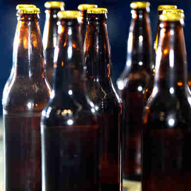 Data: 14/01/2020 - ES - Vila Velha - Garrafas de cerveja - Foto: Carlos Alberto Silva