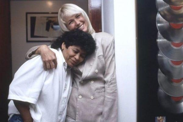Marlene Mattos e a apresentadora Xuxa. Crédito: TV Globo/Divulgação