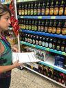 Vigilância Sanitária de Cariacica vistoria supermercados depois de contaminação em cervejas da Backer. Crédito: Divulgação/ Prefeitura de Cariacica