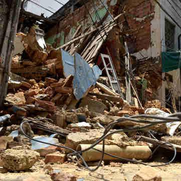 Data: 15/01/2020 - ES - Vitória - Um prédio antigo, localizado na Rua Sete, no Centro de Vitória, desabou na manhã desta quarta-feira - Editoria: Cidades - Fernando Madeira - GZ