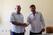 Edélio Guedes e o vice Joadir Dttmann durante a transmissão de cargo. Em menos de uma semana, relação entre os dois mudou da água para o vinho. Crédito: Divulgação