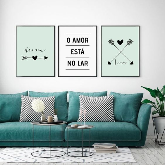 Na sala de estar eles combinam com o imobiliário. Crédito: Pinterest