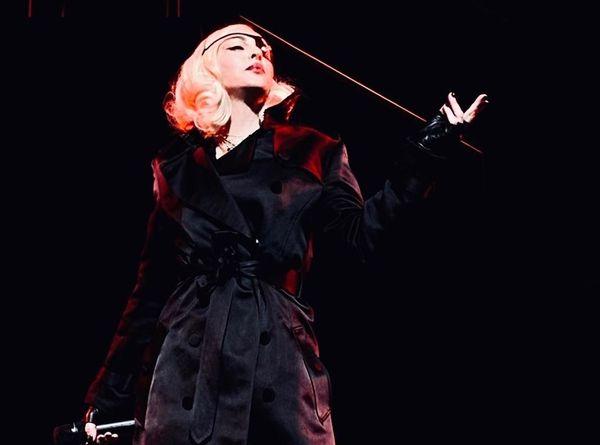 A cantora Madonna como Madame X