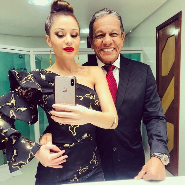 Vencedora do BBB11, Maria Melilo namora o empresário Arnaldo Pereira Filho. Crédito: Instagram/@mariamelilo