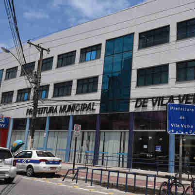 No município canela-verde, 11 candidatos se registraram até às 19h deste sábado para concorrer à prefeitura. Número de postulantes supera o das últimas eleições