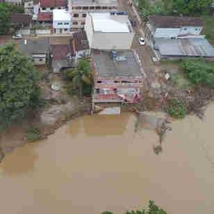 Imagens de drone mostram danos causados pela chuva em Alfredo Chaves
