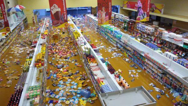Supermercado inundado em Castelo. Crédito: Internauta
