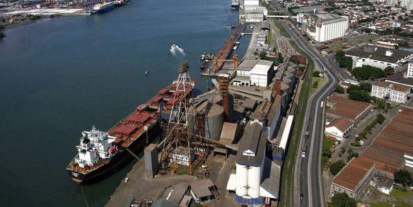 Porto de Santos segue recomendações da Anvisa contra o coronavírus. Crédito: Arquivo Agência Brasil