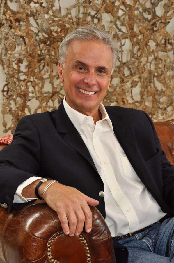 Ronaldo Barbosa, artista e designer