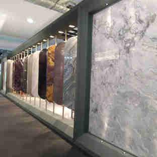 Vitória Stone Fair 2020:  placas de mármore e granito expostas
