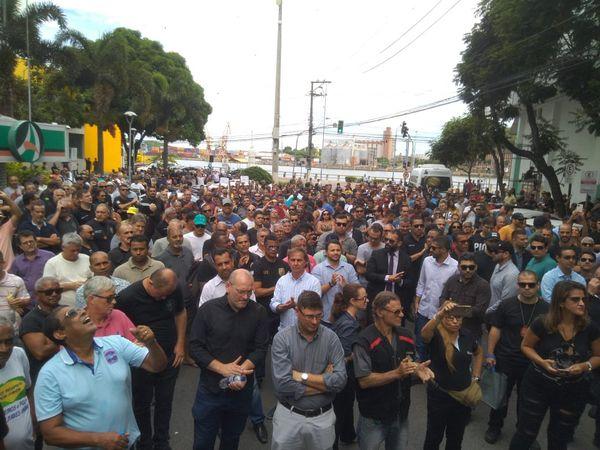 Manifestação dos Policiais Civis, Militares e Bombeiros Civis do Espírito Santo . Crédito: Fernando Madeira
