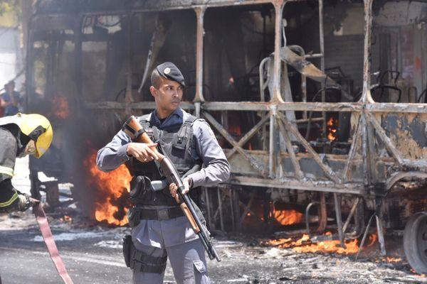 Criminosos atacam as principais avenidas de Vitória 8
