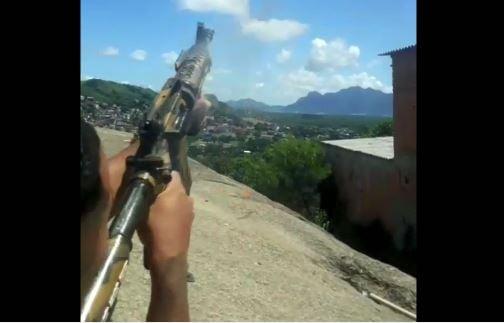 Tiros de fuzil teriam sido dados na região conhecida como Pedrinha, no bairro Bonfim. Crédito: Reprodução