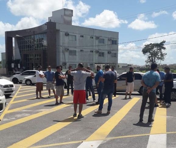 Em Linhares, segundo os organizadores, são pelo menos 600 motoristas de aplicativo. Crédito: Internauta