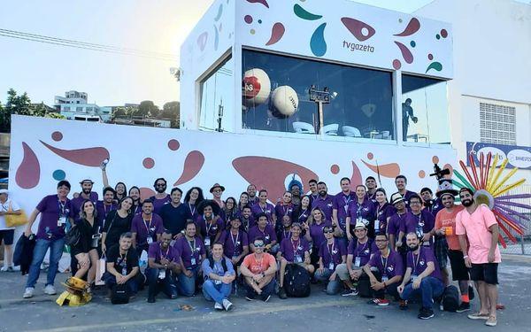 Parte da equipe que trabalhou na transmissão do Carnaval de Vitória. Crédito: Reprodução | TV Gazeta