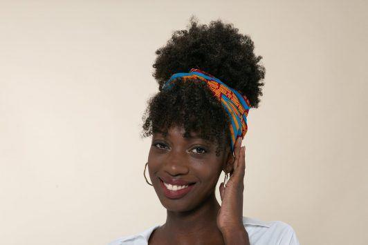 Para as taurinas, é só escolher um acessório e brilhar muito!. Crédito: Reprodução All Things Hair