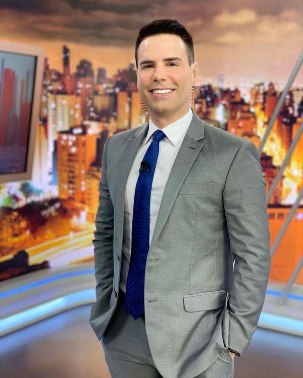O apresentador Luiz Bacci. Crédito: Reprodução/Instagram @luizbacci
