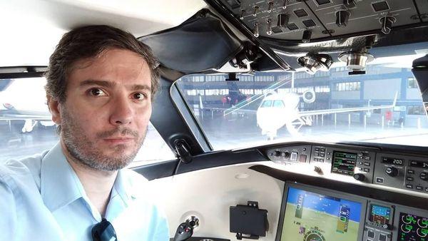Além de piloto e especialista em aviação,  Edmundo Ubiratan tem longa experiência em pilotagem do modelo  Piper Cherokee 180 . Crédito: Arquivo pessoal