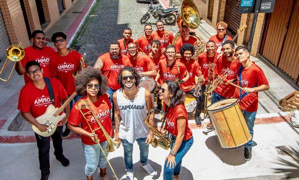 Orquestra Ammor é uma das atrações do Baile Voador, nesta sexta-feira (21). Crédito: Divulgação/ Dudu Altoé/ Orquestra AMMOR