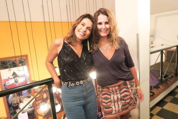 Andressa De Prá e Zezé Monteiro: celebrando idade nova, no Centro de Vitória. Crédito: Mônica Zorzanelli