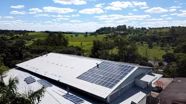 Igrejas e Maanains da Maranata são  abastecidos com a energia gerada a partir de placas fotovoltaicas.  Projeto será expandido para outros Estados. Crédito: Divulgação