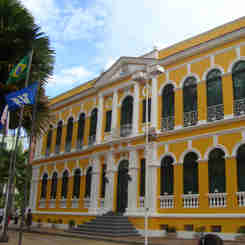 """Sede da prefeitura, o Palácio Bernardino Monteiro está no guia """"Vem pra Cachoeiro!"""""""