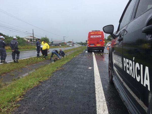 Peritos da Polícia Civil chegaram ao local por volta das 9 horas desta sexta-feira (28). Crédito: André Falcão/TV Gazeta