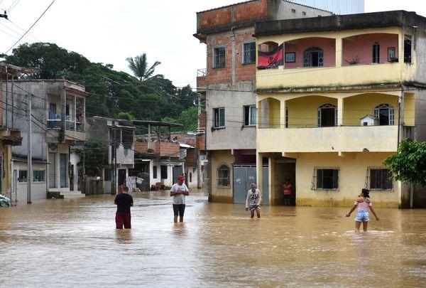 Viana - Bairro Vila Rica, divisa com Cariacica - Chuva no ES. Crédito: Fernando Madeira