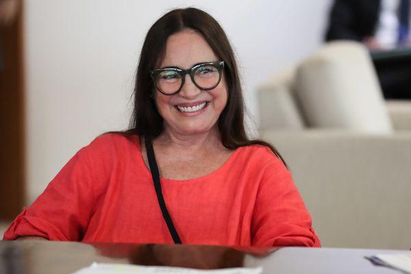 Regina Duarte em encontro com o presidente Jair Bolsonaro, em janeiro de 2020, em Brasília. Crédito: Marcos Corrêa/PR