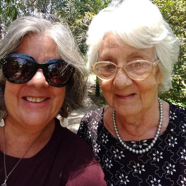 Cláudia Alves e a mãe, Francisquinha Alves. Crédito: Reprodução/Instagram @claudia.alves.s