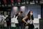 Passageiros usam máscaras nos Aeroportos de São Paulo . Crédito: Zanone Fraissat/ Folhapress