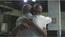 Drauzio Varella abraça Suzy Oliveira após ela dizer que não recebe visitas há 8 anos. Crédito: Reprodução/~TV Globo