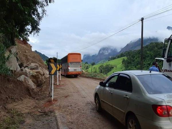 Veículos já podem trafegar pelo Km 30, da rodovia ES 166. Crédito: Internauta