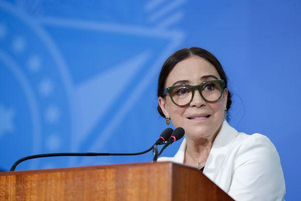 A atriz Regina Duarte em posse como secretária de Cultura do governo Bolsonaro