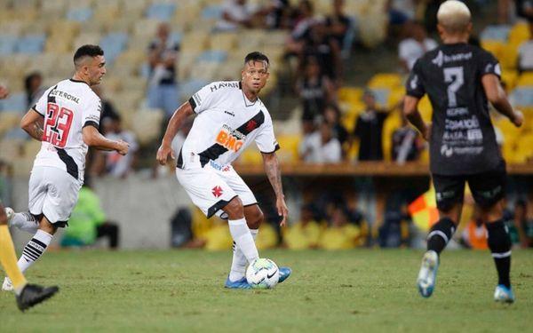 Guarín não tem presença confirmada na próxima quinta-feira contra o Goiás. Crédito: Rafael Ribeiro/Vasco