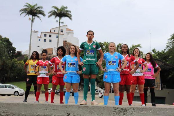 Uniformes do Vila Nova para a temporada 2020. Crédito: Marlyson Tadino/Divulgação