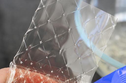 A gelatina incolor tem sido usada para soluções caseiras para se fazer álcool em gel. Crédito: Divulgação