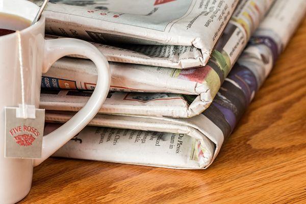 Jornais impressos, televisivos ou digitais são considerados atividades essenciais para a população. Crédito: Pixabay