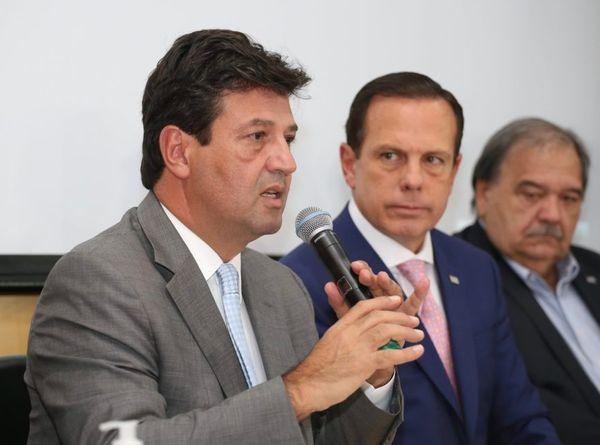 Ministro da Saúde Luiz Henrique Mandetta e o governador de São Paulo, João Doria, falam sobre a pandemia de coronavírus. Crédito: Governo de São Paulo