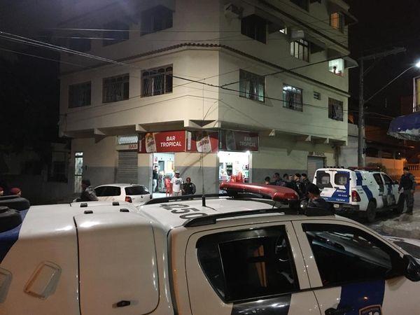 Equipe de fiscalização determina fechamento de bares em Cariacica