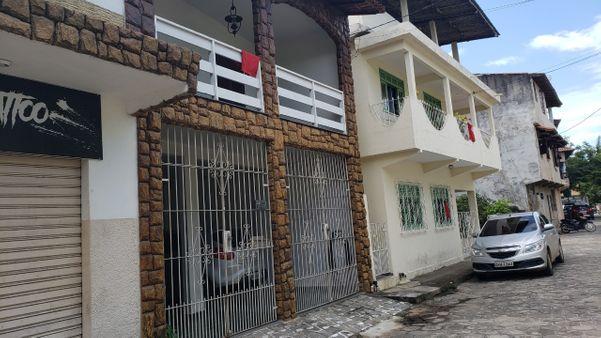 Moradores de Piúma identificam casas com idosos com pano vermelho para vacinação contra a gripe. Crédito: Divulgação