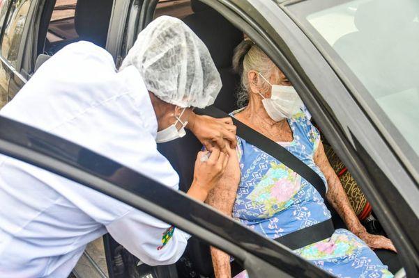 25/03/20 - Linhares - Doses acabam e vacinação contra gripe é interrompida em Linhares