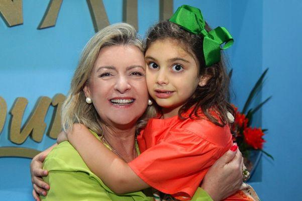 Gracinha Nader e a neta Sophia