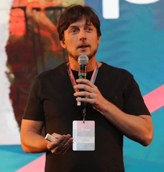 Herdeiro do Giraffas, Alexandre Guerra perde cargo na rede