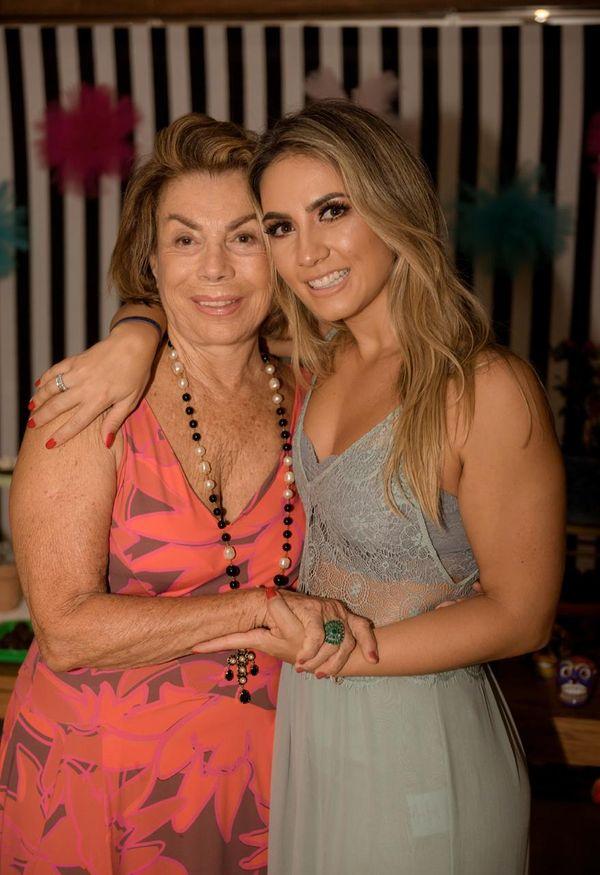 Nilce Chieppe e a neta Julia Chieppe Motta
