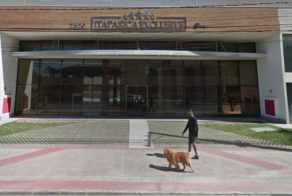 Um morador do edifício Itaparica Exclusive esfaqueou um entregador de pizza na frente do prédio