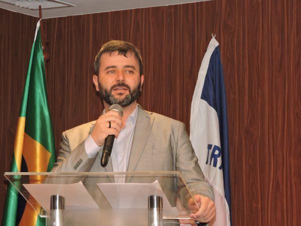 Nésio Fernandes, secretário estadual da Saúde: as pessoas precisam continuar em casa