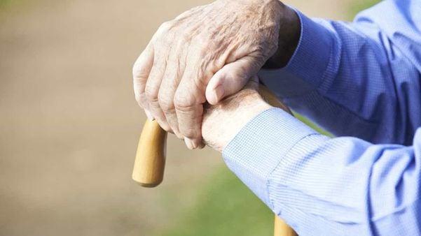 Não deixe o vírus do preconceito te contaminar: ajude os idosos